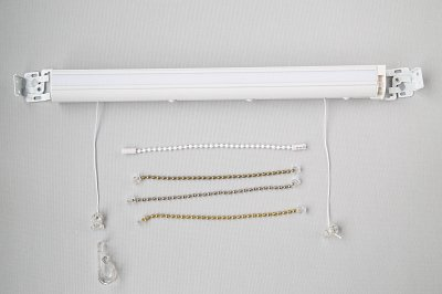 Roman blind headrail with cord safety toggles, chain options and child safety clips
